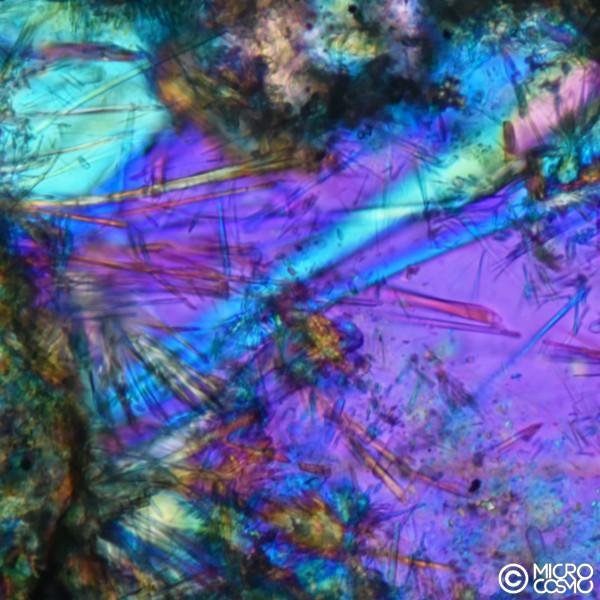 cristalli di adensite al microscopio