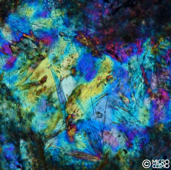 cristalli di filone magmatico al microscopio polarizzatore