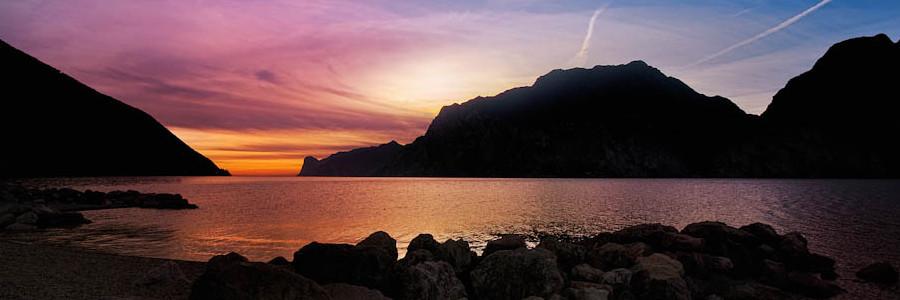 tramonto a Nago lago di Garda